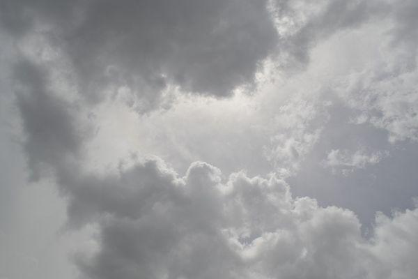 Le ciel se couvre et devient instable