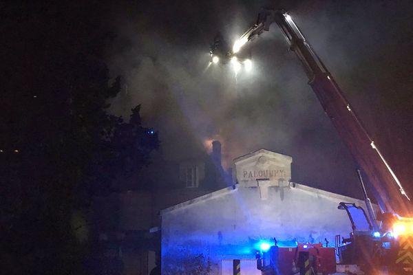 L'incendie a ravagé la toiture du château mais n'a pas endommagé les chais du domaine.