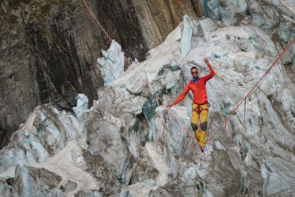 Nathan Paulin, le 26 mai, lors de sa traversée du glacier d'Argentière en Haute-Savoie.