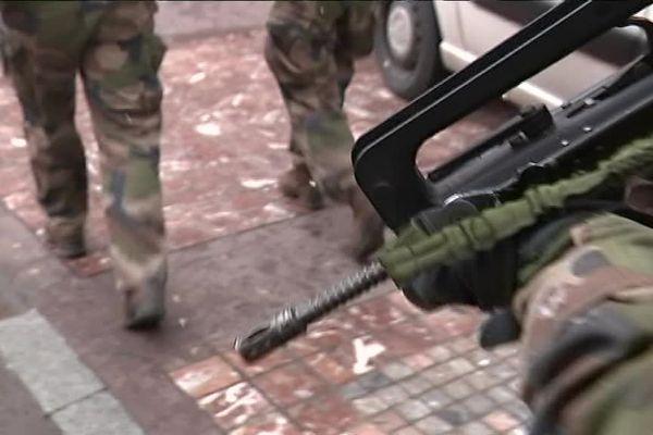 Une patrouille de l'Opération Sentinelle.
