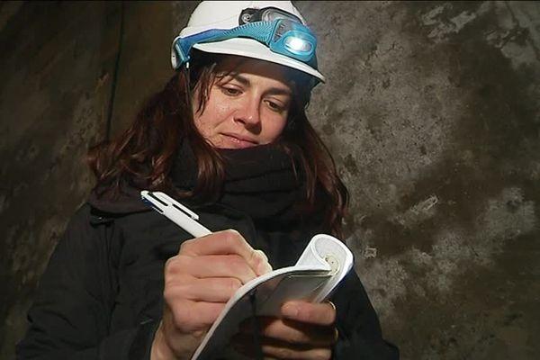 Lucie est l'une des bénévoles recensant les chauve-souris en vallée du Loir