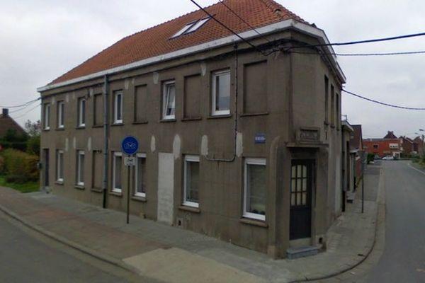 L'ancienne maison des douaniers à Néchin. Gérard Depardieu devra y vivre au moins 180 jours par an.