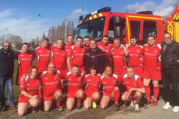 Pompiers de profession, rugbymen (et women) de coeur : les pompiers du 37 veulent héberger leur coupe de France.