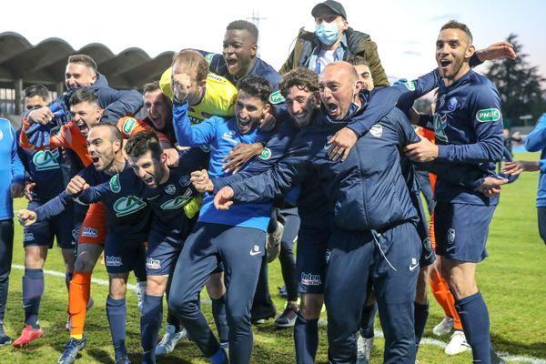 Les joueurs du GFA après leur victoire en 1/4 de finale de Coupe de France face à Toulouse, le 20 avril 2021.