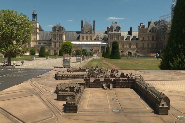 Le château de Fontainebleau fait l'objet d'une restauration de grande ampleur.