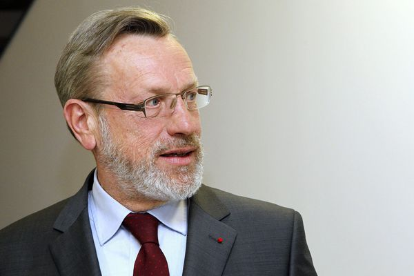 Âgé de 64 ans, Pierre Pouëssel est le 10e préfet de la région Centre-Val de Loire en 15 ans.