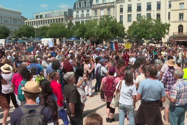 Manifestation contre l''extension du pass sanitaire à Poitiers, ce samedi 17 juillet.