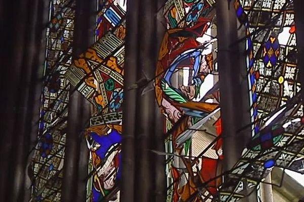 En octobre 2005, de nombreux vitraux de la cathédrale de Limoges étaient soufflés par une explosion