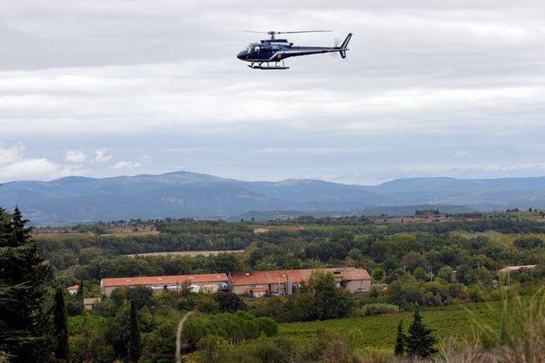 Recherche de personnes disparues en hélicoptère par la gendarmerie de l'Aude. Archive 2012