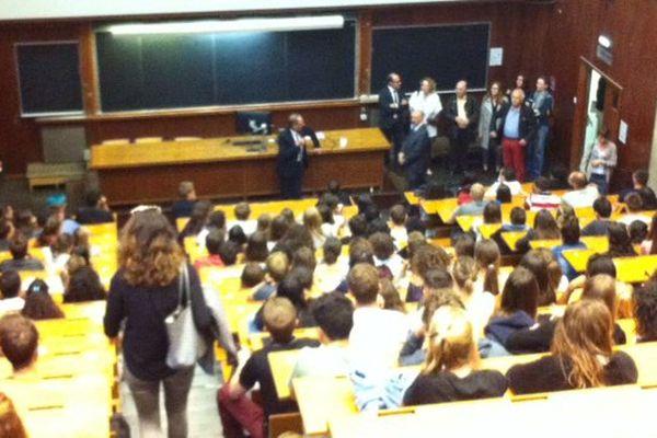 Intervention de Yvon Berland, président de l'université Aix-Marseille devant les étudiant de 3°année de médecine
