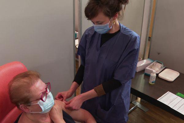 Des mégacentres de vaccination ouvrent progressivement dans les Pays de la Loire