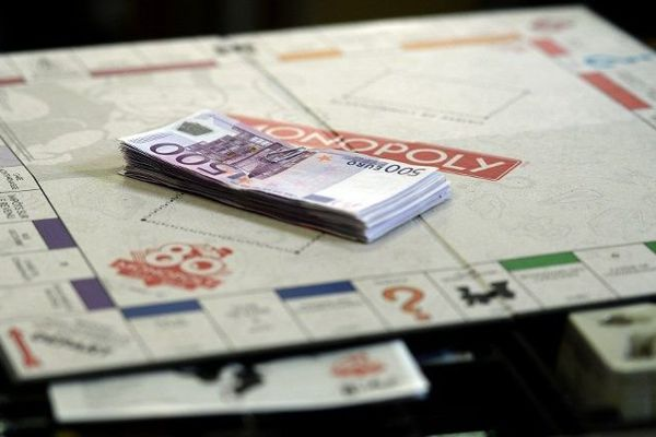 Pour fêter ses 80 ans, Monopoly a mis de véritables euros dans 80 boîtes de jeu réparties parmi 30 000 autres