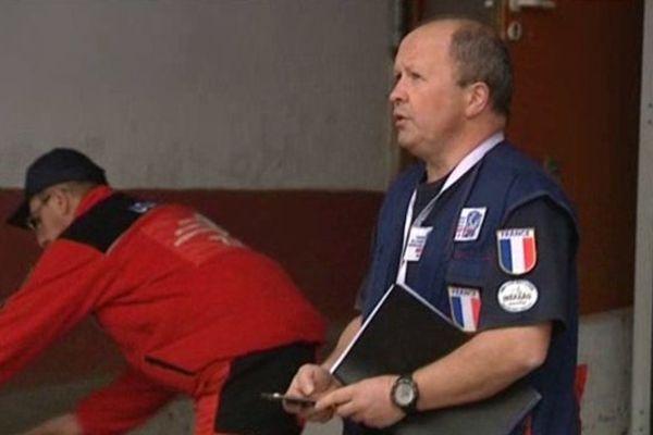 Le Lieutenant-Colonel Philippe Besson et 3 de ses hommes des Pompiers de l'Urgence Internationale sont arrivés à Tacloban aux Philippines.