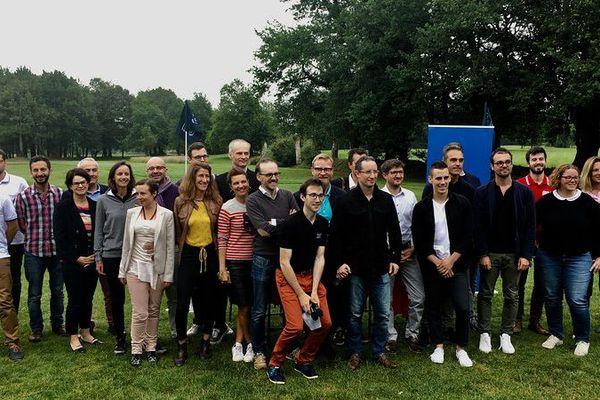 Photo de groupe à l'issue du concours de pichs de la Startup Golf Cup de Nantes 2018