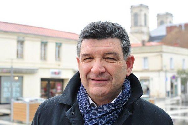 Luc Bouard (UMP) est candidat à la mairie de La Roche-sur-Yon pour cette élection municipale 2014