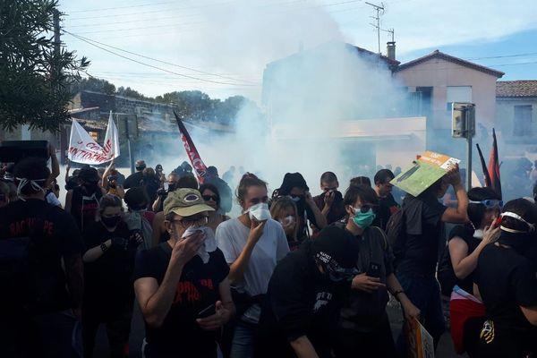 Les anti-corrida déjà repoussés par les gaz lacrymogènes à 11h45