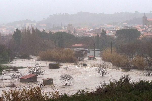 Saint-Paul-de-Fenouillet dans les Pyrénées-Orientales sous l'eau suite à l'épisode méditerranéen Gloria le 22 janvier 2020.