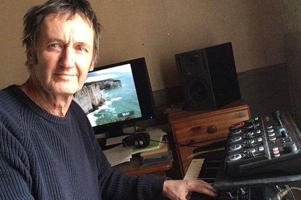 Emmanuel Valeur, musicien chanteur mais aussi acteur à Montpellier