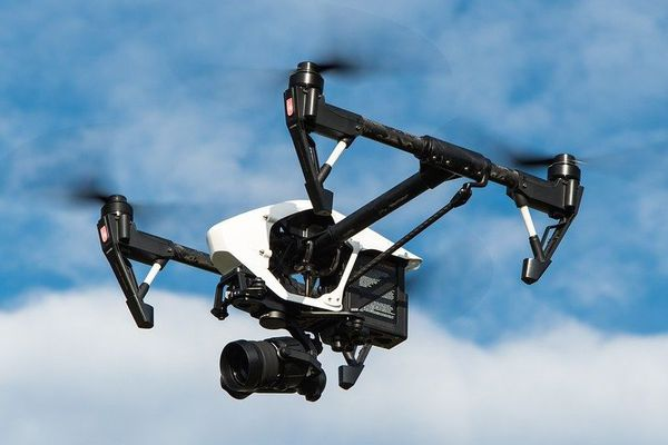 Les drones vont survoler les plages mais aussi les quartiers où le confinement n'est pas respecté - mars 2020