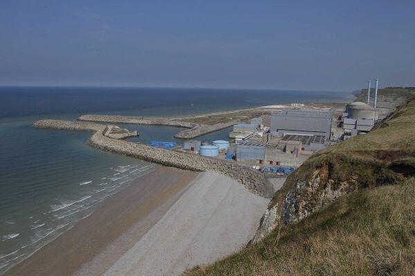 Vue d'ensemble de la centrale nucléaire de Penly (Seine-Maritime)