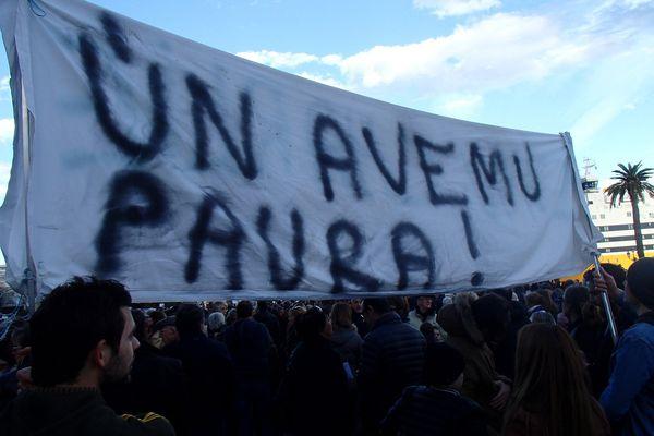 """Rassemblement à Bastia #JeSuisCharlie, """"Nous n'avons pas peur"""""""