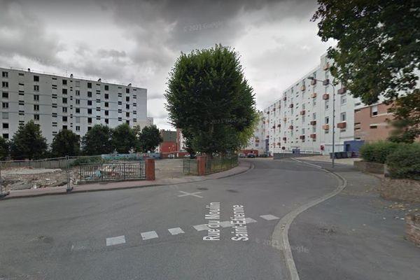 C'est dans cet immeuble d'Elbeuf (Seine-Maritime) que l'odeur de gaz a été détectée le jeudi 16 septembre 2021.
