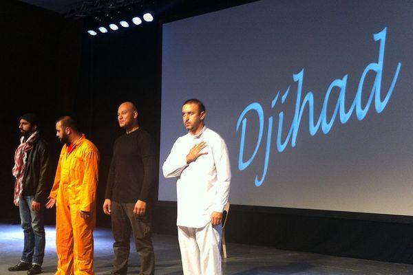 Les quatre acteurs de la pièce Djihad : James Deano, Shark Carrera, Ismaël Saïdi et Reda Chebchoubi.