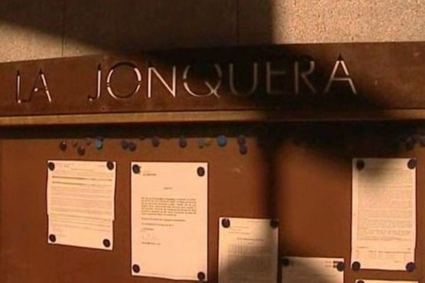 La Jonquera (Espagne) - la ville fait la guerre aux prostituées de rue en publiant la liste des clients verbalisés sur les murs de la mairie - 17 octobre 2012.