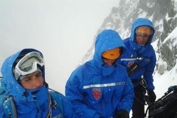 Secours dans le massif des écrins par les CRS de l'Alpe d'Huez