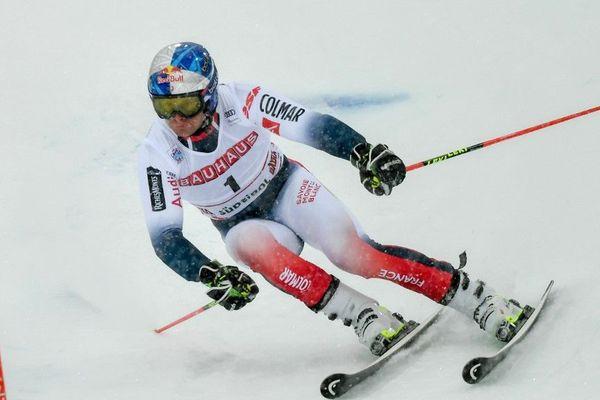 Alexis Pinturault en pleine épreuve de slalom géant à Alta Badia ce 22 décembre.