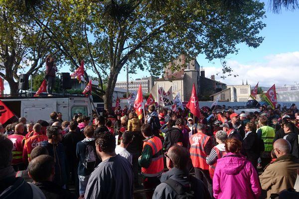 A Clermont-Ferrand, les manifestants sont partis de la place du 1er mai, mardi 12 septembre, en milieu de matinée.