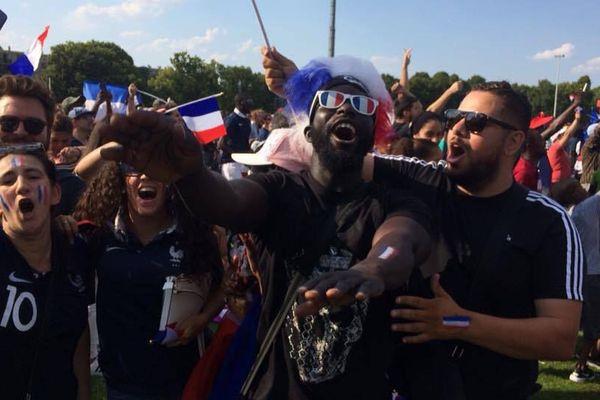 La joie à Bondy en Seine-Saint-Denis où est né le désormais champion du monde Kylian Mbappé