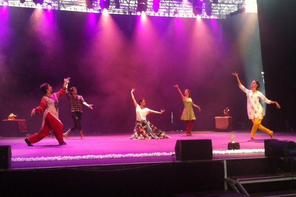 Le spectacle de la compagnie Indian Style à l'heure des répétitions, le 17 août, à Châteauroux.