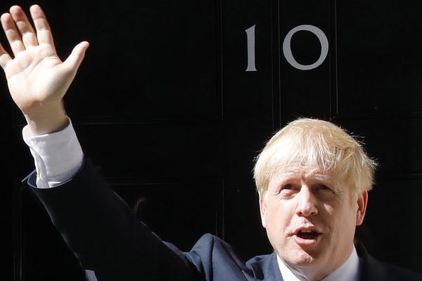 Boris Johnson devant le 10 Downing Street à Londres.