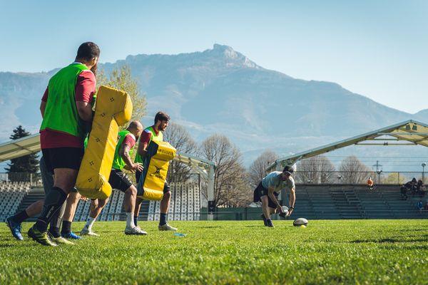 Le SOC Rugby à l'entraînement avant la réception de Narbonne ce dimanche.