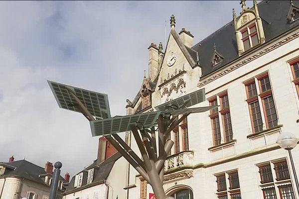 "L'arbre ""E-Tree"" installé à Nevers, symbole de l'innovation"