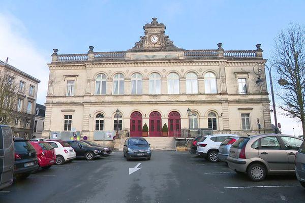 Quatre candidats briguent le mandat de maire de Laon dans l'Aisne pour les municipales 2020.
