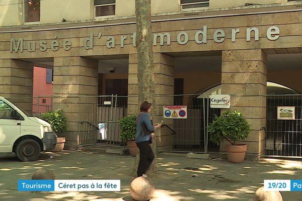 Le confinement a engendré un lourd retard dans le chantier du musée d'art moderne de Céret. Moteur économique de la ville, il est fermé tout l'été - juillet 2020.