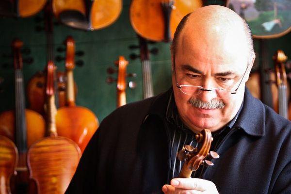 Patrice Taconné, luthier