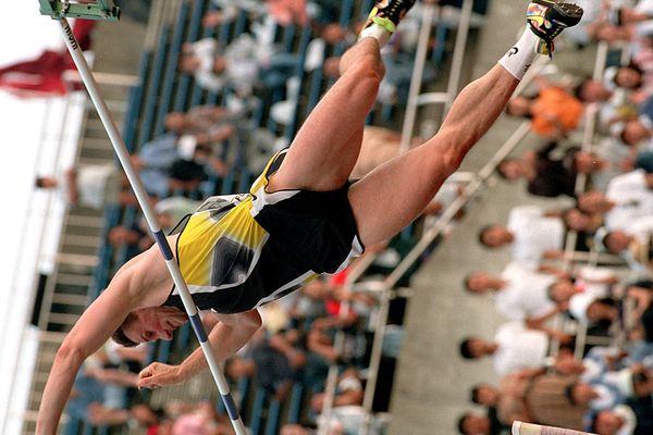 Par deux fois, un 9 juin, Sergueï Bubka a battu le record du monde de saut à la perche : à Bratislava en 1988 (6,05m) et à Moscou en 1991 (6,09m).