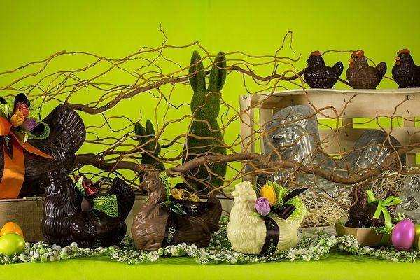 Avec les lapins et les cloches, les poules font partie des incontournables.