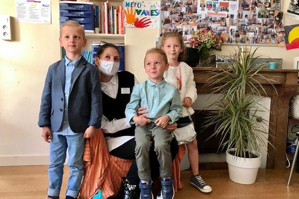 Vérona et ses enfants dans la Maison des Familles de Dijon, des habitués des lieux.