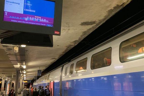 La mésaventure de 280 passagers du TGV Marseille-Strasbourg obligés de descendre à Mulhouse