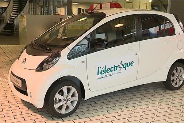 Pour l'instant l'offre électrique chez PSA se limite à des petites voitures urbaines.