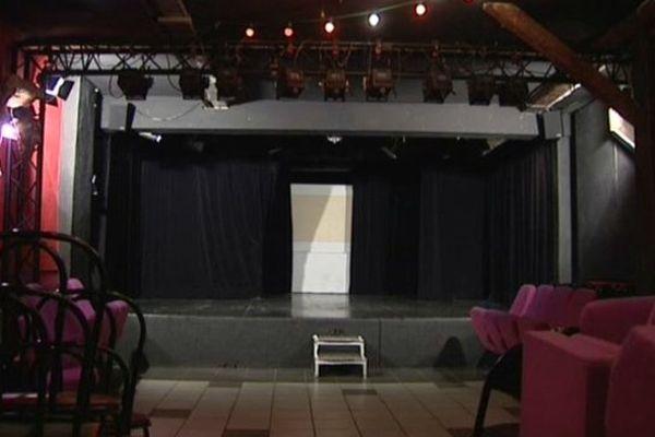 La salle du Kafteur est jugée trop petite par Jean-Luc Fabriard, qui souhaite s'installer dans un lieu plus grand