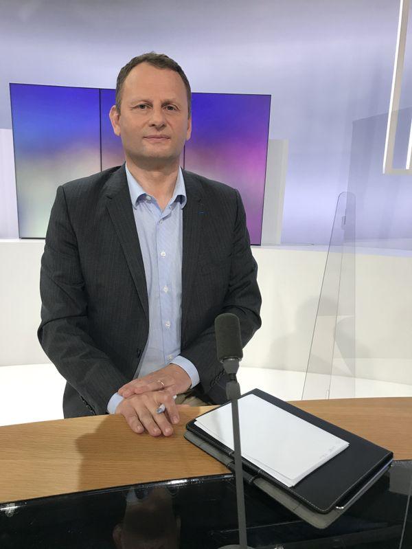 Grégoire Eury (RN) est venu défendre les positions de son mouvement politique.