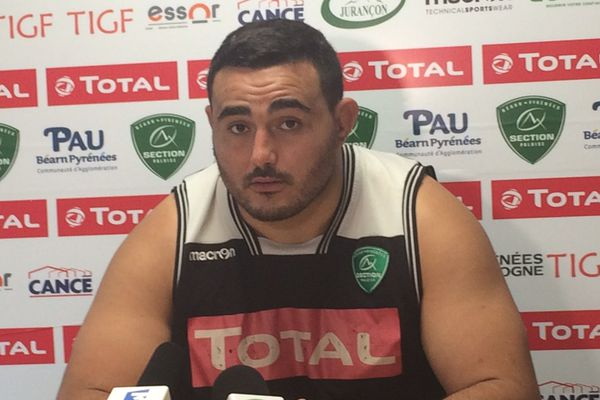 Le pilier droit, Malik Hamadache, négocie un nouveau contrat de 3 ans avec Pau