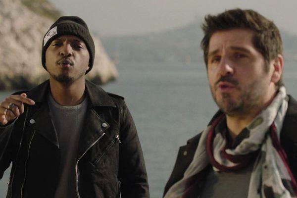 """Patrick Fiori et Soprano réunis pour une chanson """"Chez nous (Plan d'Aou, Air Bel)"""", tournée à Marseille"""