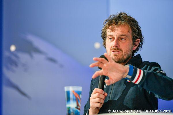 Le navigateur de Boulogne-Billancourt à son arrivée aux Sables-d'Olonne le vendredi 12 février 2021 au cours d'une conférence de presse. Il revient sur son tour du monde.