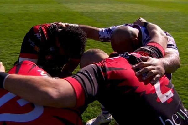 Rugby Nationale : Grand moment d'émotion pour les joueurs du Stade Niçois après leur victoire sur l'US Bressane 31-22.
